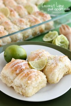 These coconut lime pull apart rolls are made with Rhodes frozen rolls, coconut lime sugar, and butter; bake, and then drizzle the top with lime glaze for a delicious treat! Strudel, Croissants, Breakfast Recipes, Dessert Recipes, Breakfast Dessert, Breakfast Bites, Breakfast Club, Paleo Breakfast, Muffin Recipes