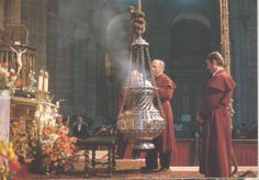 stoking-the-thurible-at-santiago. Santiago De Compostela Incense.