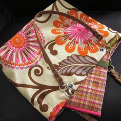 Make your own quilted laptop sleeve & matching tote bag out of @HGTV HOME fabric! Click here for a tutorial: http://www.justcraftyenough.com/2013/04/project-quilted-laptop-sleeve/
