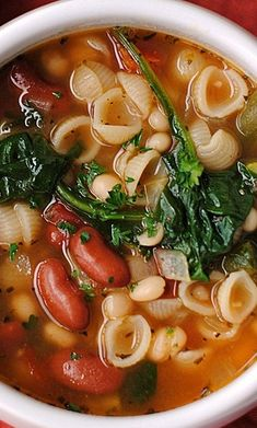 Olive Garden Inspired Minestrone Soup. Repinned by www.grownupgrace.com