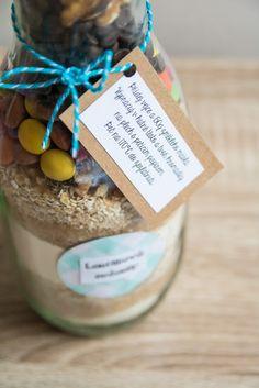 Má to šťávu!: Sušenky do sklenice - jedlý dárek Ham, Breakfast, Gifts, Food, Creative, Morning Coffee, Presents, Hams, Essen