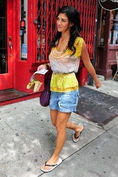 Jessica Karen Szohr (Menomonee Falls, Wisconsin, 31 de Março de 1985) é uma atriz estadunidense. Fez várias participações em séries de TV até alcançar o sucesso como Vanessa Abrams, na série de TV Gossip Girl da The CW.  Fonte:http://pt.wikipedia.org/wiki/Jessica_Szohr
