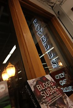 Bookstores vying for title have good read on clientele | The Columbian