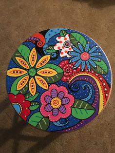 Našli sme pár nových pinov na vašu nástenku hand made - Pottery Painting, Dot Painting, Ceramic Painting, Stone Painting, Whimsical Painted Furniture, Painting Wooden Furniture, Furniture Layout, Rustic Furniture, Meubles Peints Style Funky