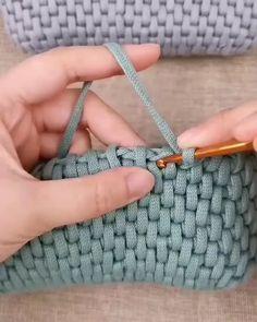 Crochet Cord, Tunisian Crochet, Crochet Motif, Diy Crochet, Crochet Stitches, Crochet Patterns, Crochet Handbags, Crochet Purses, Couture Main