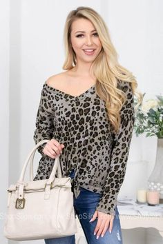 Grey Leopard Knot Top Leopard Top, Complete Outfits, Animal Prints, Grey Top, Top Knot, Minimalist Fashion, Knots, Your Style, V Neck