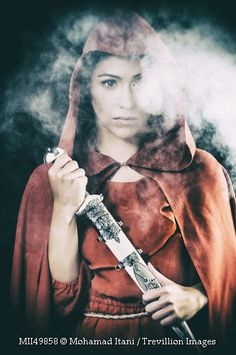 Nyssa : She was trained to protect her sisters. She was one of the guardians of the sisterhood.