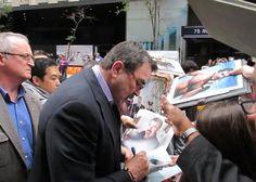 I love celebrities who take the time to sign... Like Tom. :)
