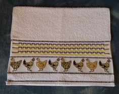 Swedish Weaving, Zip Around Wallet, Straight Stitch, Dish Towels, Brown Plates, Sewing Stitches, Hardanger, Towels, Dots