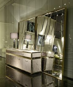 View photos of Roberto Cavalli home decor furniture from the latest Milan, Italy 2016 show. Home Decor Mirrors, Home Decor Furniture, Luxury Furniture, Home Furnishings, Furniture Design, Luxury Interior Design, Interior Design Inspiration, Mirror Inspiration, Contemporary Interior
