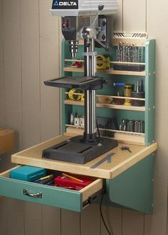 Woodworking Tools For Beginners, Easy Woodworking Projects, Woodworking Furniture, Woodworking Techniques, Woodworking Tool Storage Ideas, Pallet Projects, Diy Projects, Welding Projects, Small Woodworking Shop Ideas