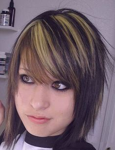cool Emo Hairstyles For Girls | WeLoveStyles.com