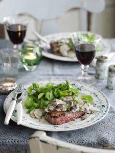 Steak met 'n romerige sampioensous: www. Steak with Creamy Mushroom Sauce: www. Creamy Mushroom Sauce, Creamy Mushrooms, Stuffed Mushrooms, Fried Mushrooms, South African Recipes, Supper Recipes, Punch Recipes, Latest Recipe, Good Housekeeping