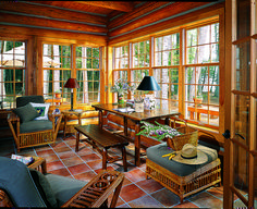 How to Design the Perfect Log Home Sunroom, Home Decor, There's something endearing and timeless about a room wrapped in glass, whether you call it a sunroom, a three-season room or a four-season room. Four Seasons Room, Three Season Room, Rustic Home Design, Rustic Homes, Rustic Cabins, Western Homes, Log Cabins, Contemporary Home Decor, Log Homes