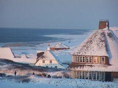 Kampen - snow on the beach