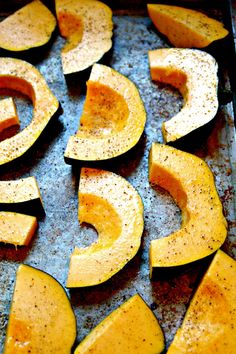 Find out how to roast Acorn squash. It is the perfect veggie to compliment any dinner meal. Easy to prepare, healthy to eat. Try this squash recipe tonight.