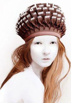 mikapoka: Latvian mythological crowns