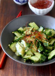 Smacked Cucumber In Garlicky Sauce recipe @seasonwithspice
