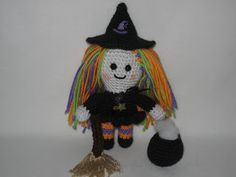 Fuzzy Feet Works: Free Little Witchy Pattern