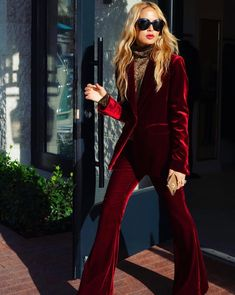 holiday Fashion looks - 10 Holiday Fashion Trends To Copy - Mode Outfits, Fashion Outfits, Womens Fashion, Fashion Trends, Workwear Fashion, Fashion Blogs, Petite Fashion, Fashion Blogger Style, Look Fashion