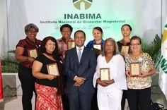 Armario de Noticias: INABIMA entrega 74 millones a 273 docentes jubilad...