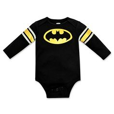 Your little one can be the hero Gotham deserves with this long-sleeve Batman Bodysuit from DC Comics. Complete with a screenprint of the Dark Knight's iconic logo, this cozy outfit doesn't come with any batarangs or Batmobiles.