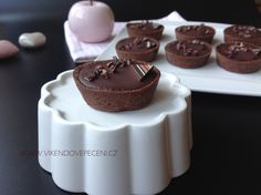 VÍKENDOVÉ PEČENÍ Cheesecakes, Cupcakes, Baking, Food, Chocolate Cakes, Tarts, Pizza, Recipes, Bread Making