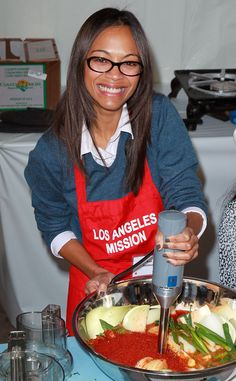 Zoe Saldana from Celebrity Do-Gooders: Holiday Edition!  Last year, Zoe was happy to lend a hand at the L.A. mission!
