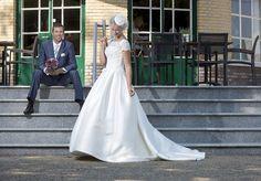 Speksnijder Bruidsmode, voor bruid en bruidegom. Bergambacht (Krimpenerwaard in de regio Schoonhoven, Gouda en Rotterdam) en Veenendaal in de provincie Utrecht nabij de Betuwe. www.bruidscollectie.nl