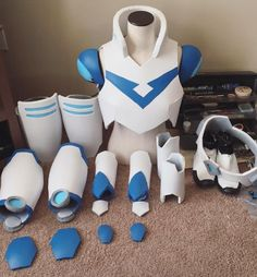 Paladin Suit Tutorial [[MORE]]Materials• EVA foam (I ordered two boxes of the floor mats) • Box cutter (or scissors. they are just going to be REALLY dull by the time you cut everything out) • Heat...