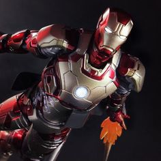 Totally awesome #IronMan #Mark42 (Superalloy) #ActionFigure  http://ragebear.com/to/iron-man-mark-42