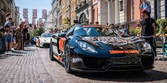 The Porsche 918 Spyder is the fastest accelerating production road car on Earth km). Car Facts, Jeremy Clarkson, Porsche 918, Concept Cars, Super Cars, Earth, Vehicles, Cars, Vehicle