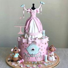 Gâteau Cendrillon – einfach so – Gâteaux Disney Pretty Cakes, Cute Cakes, Beautiful Cakes, Amazing Cakes, Crazy Cakes, Fancy Cakes, Fantasy Cake, Girl Cakes, Cake Girls
