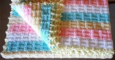 Wonderful Baby Blanket This crochet pattern / tutorial is available for free... Full post:  Wonderful Baby Blanket