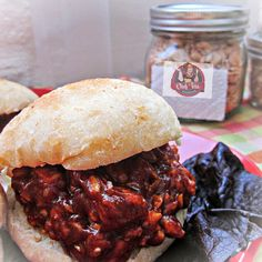 BBQ chicken stuffer in a jar via Chef Tess Bakeresse  #Amazmerizing