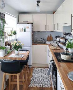 49 creative small apartment kitchen design and organization ideas 44 Small Apartment Kitchen, Home Decor Kitchen, Home Kitchens, Kitchen Ideas, Kitchen Small, Kitchen Island, Small Kitchen Inspiration, Very Small Kitchen Design, Minimal Kitchen
