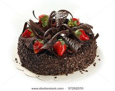 Chocolate-Cake-With-Strawberries
