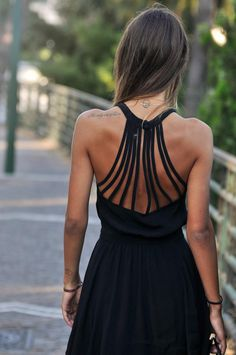 I'm obsessed with the back of this dress!