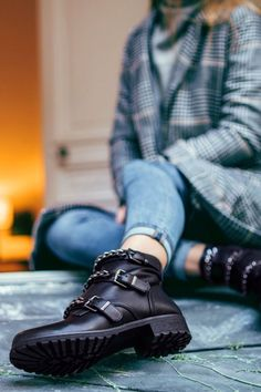 7 Best Shoes images in 2019 | Shoes, Boots, Fashion