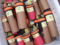 Kindergarten's 3 R's: Cardboard tubes to make Native American characters (no one get offended now, it's a Native American....ME.... sharing the craft)