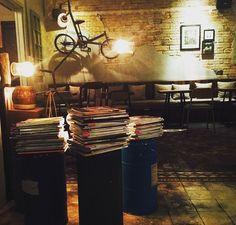 9 quán cafe nền gạch hoa cực nghệ ở Sài Gòn mà bạn nên ghé qua... chụp hình - Ảnh 28. Parrot Flying, Outdoor Cafe, Coffee Shop Design, Vintage, Home Decor, Blue Prints, Decoration Home, Room Decor, Vintage Comics