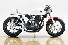 1978 Yamaha SR 500 Cafe Racer by Lossa Engineering Yamaha Cafe Racer, Cafe Racers, Motos Yamaha, Inazuma Cafe Racer, Cafe Bike, Yamaha Motorcycles, Cafe Racer Motorcycle, Vintage Motorcycles, Custom Motorcycles