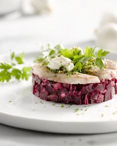 red beets, smoked eel and sour cream Tapas, Healthy Cooking, Cooking Recipes, Healthy Recipes, Fish Recipes, Appetizer Recipes, Low Carp, Mezze, Deli Food