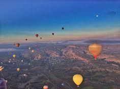 Good morning from #cappadocia  #travel #lonelyplanet #lp #turkey #voyagerballoons #Travelpics