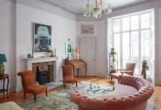 Rachel Chudley - 1stdibs 50 Interior Design London, Granny Chic, Bloomsbury, Big Houses, Home Decor Trends, Design Firms, Design Trends, Living Spaces, Living Room