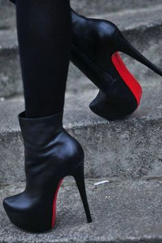 Christian Louboutin OFF! christian louboutin 'daf booties' in black leather - my favourite variation of the daffodil pump. High Heel Boots, Heeled Boots, Shoe Boots, Ankle Boots, Bootie Heels, Talons Sexy, Christian Louboutin Outlet, Hot Heels, Sexy Heels
