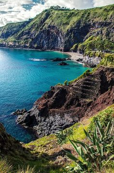 Azores: treks on the pearls of the Atlantic - I-Trekkings Source by manuelababu. Visit Portugal, Portugal Travel, Places To Travel, Places To See, Travel Destinations, Azores, Trekking, Voyage Europe, Travel Around