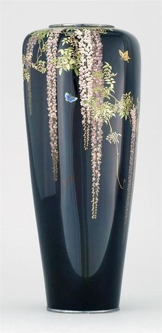 Buy online, view images and see past prices for GOLD WIRE-ON-SILVER CLOISONNÉ ENAMEL VASE By Namikawa Yasuyuki In tapered hexagonal form. With brilliant shaded wirewor. Invaluable is the world's largest marketplace for art, antiques, and collectibles. Japanese Porcelain, Japanese Pottery, Japanese Art, Mosaic Glass, Glass Art, Art Nouveau, Metal Vase, Asian Decor, Bottle Painting