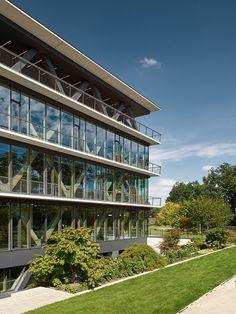 Gallery of Innovation Center 2.0 / SCOPE Architekten - 17