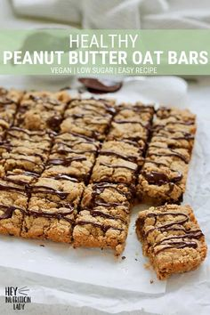 These Peanut Butter Oat Bars make a great snack or after school treat Made with healthy ingredients low in sugar and vegan friendly these are sure to hit the spot snack healthy peanutbutter oats oatbars easy vegan lowsugar wholewheat Peanut Butter Flapjacks, Peanut Butter Oatmeal Bars, Vegan Oatmeal, Homemade Oatmeal Bars, Healthy Peanut Butter Cookie Recipe, Peanut Butter Breakfast, Vegan Protein Bars, Healthy Bars, Healthy Treats